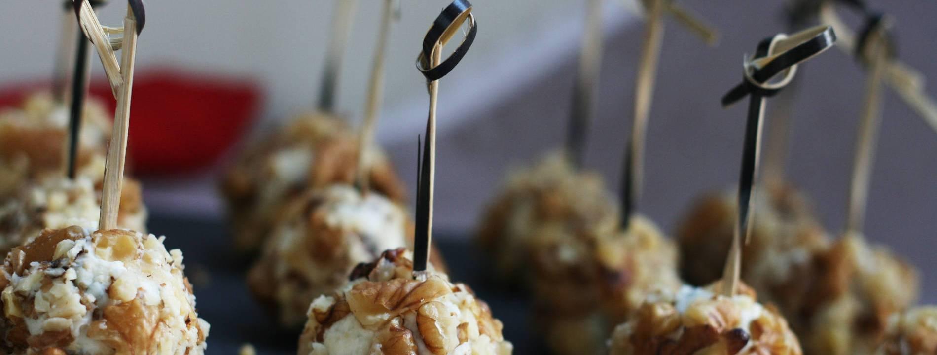 Bocconcini di Gorgonzola miele e noci
