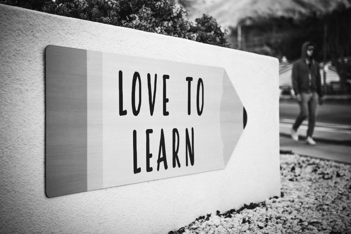 Conheça os benefícios da educação bilíngue