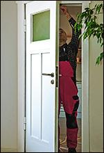 Zimmertür abdichten mit Einfräsdichtungen