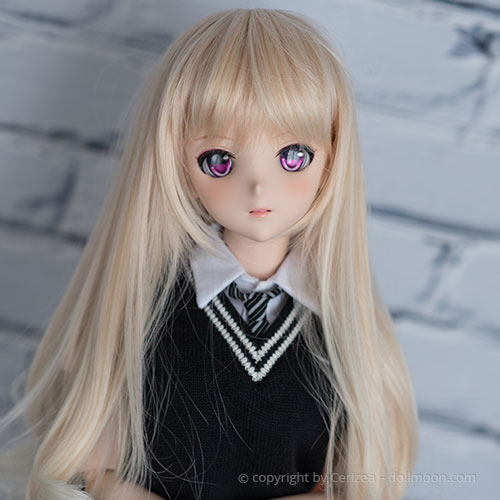 A synthetic Wig on a Dollfie Dream.