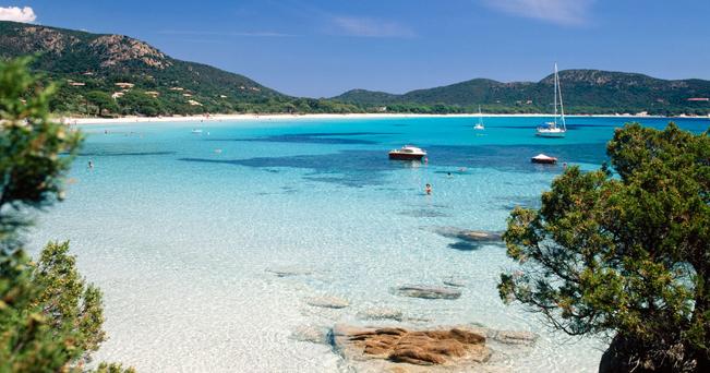 Palombaggia Beach a Porto Vecchio in Corsica (Francia) spiaggia corallina