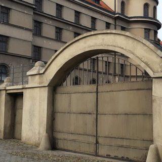 věznice Mladá Boleslav brána