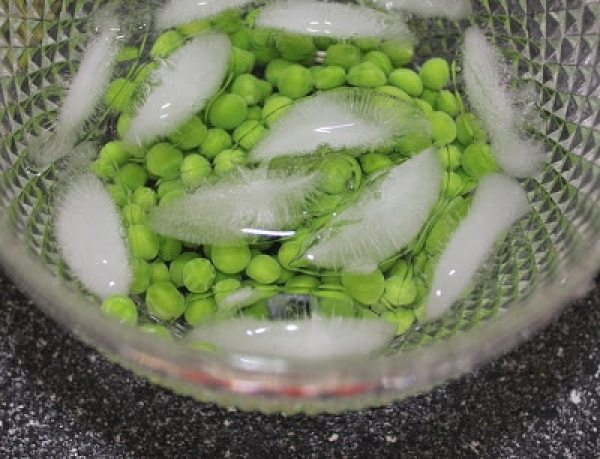 Blanching-Fresh-Peas-2
