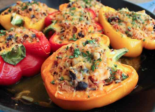 Turkey-and-quinoa-stuffed-bell-peppers-5