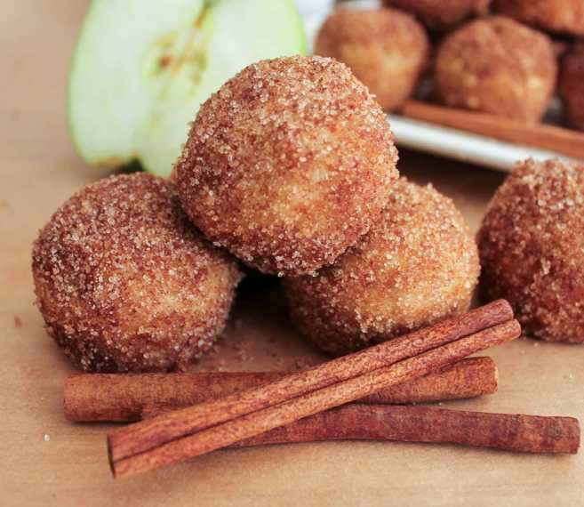 apple-cinnamon-baked-doughnut-holes-2-2