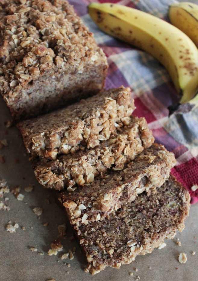 Banana-Bread-with-Walnut-Crumble-1
