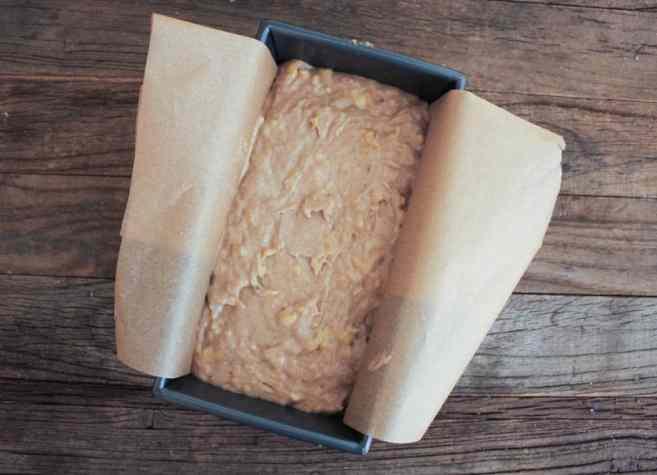 Banana-Bread-with-Walnut-Crumble-step-5-2