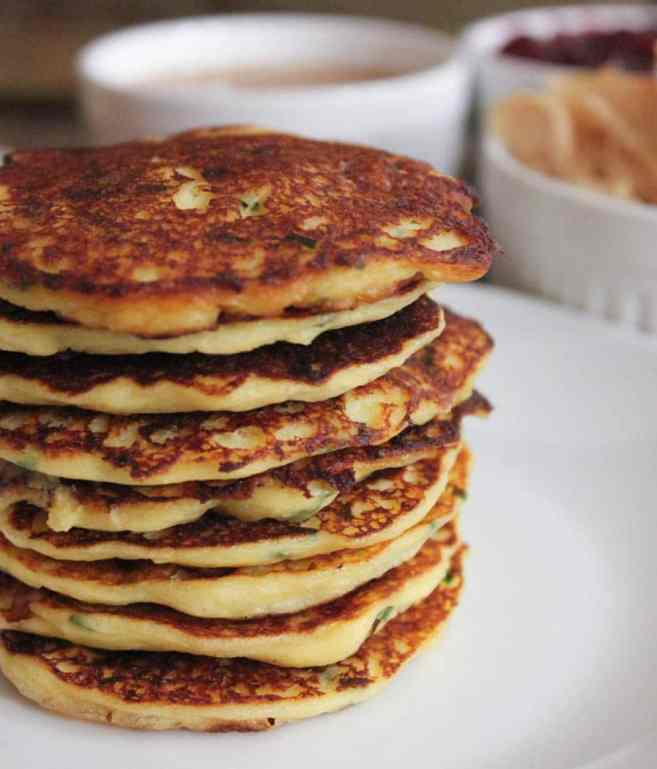 Mashed-potato-pancakes-with-goat-cheese-and-chives-10