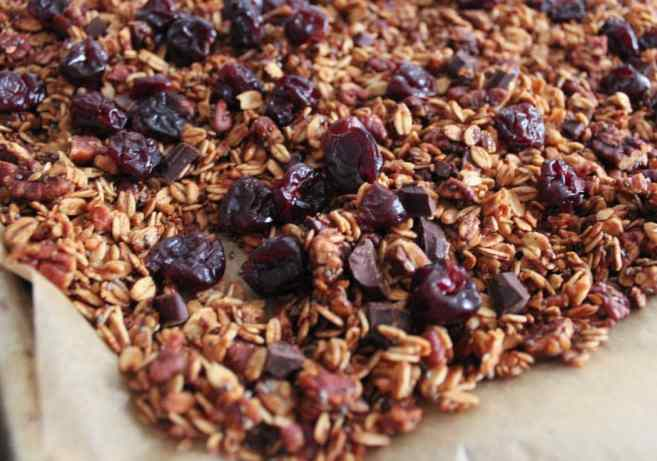 dark-chocolate-cherry-granola-with-crunchy-quinoa-vegan-gluten-free-step-7