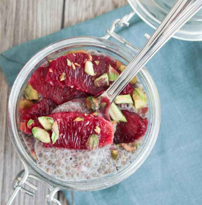 easy-vegan-vanilla-chia-seed-pudding-with-pistachio-and-blood-orange