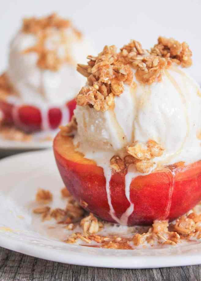 Grilled-Peach-Crisp-Sundaes-with-Cinnamon-Honey-Drizzle-4