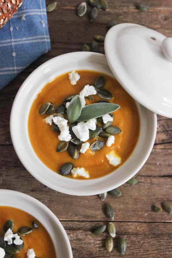 Butternut-Squash-Soup-with-Roasted-Garlic-Goat-Cheese-and-Pepitas-3