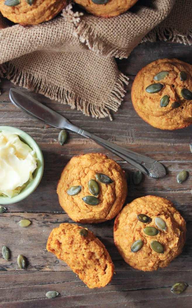 Pumpkin-Sour-Cream-Muffins-5