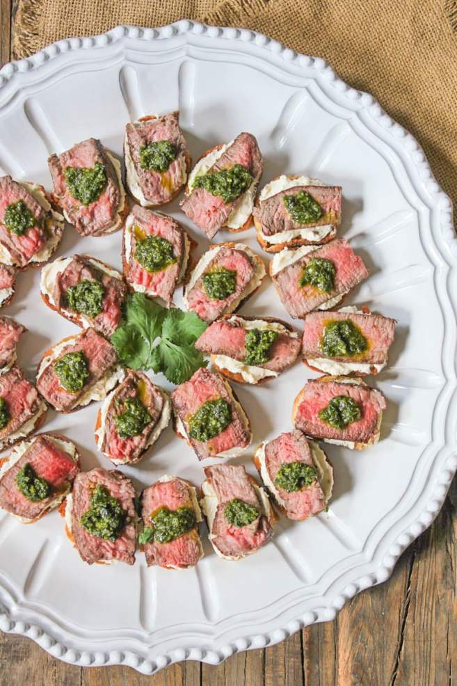 beef-tenderloin-crostini-with-whipped-goat-cheese-and-pesto-2