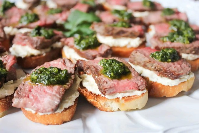 beef-tenderloin-crostini-with-whipped-goat-cheese-and-pesto-8