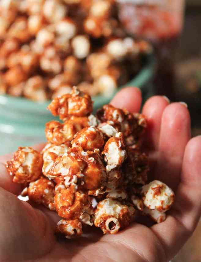 Sriracha-Caramel-Popcorn-9