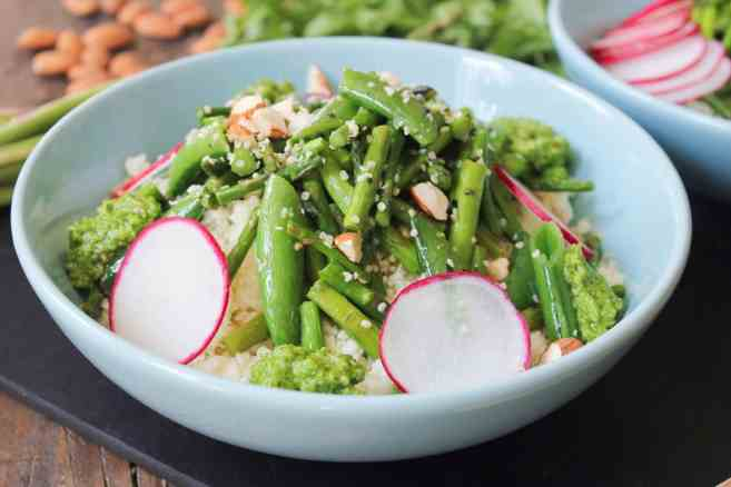 vegan-cauliflower-rice-bowl-with-arugula-pesto-step-8