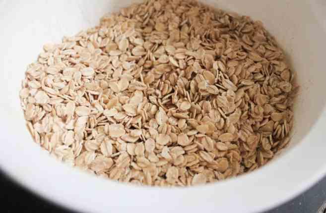gluten-free-blueberry-banana-baked-oatmeal-bites-step-2