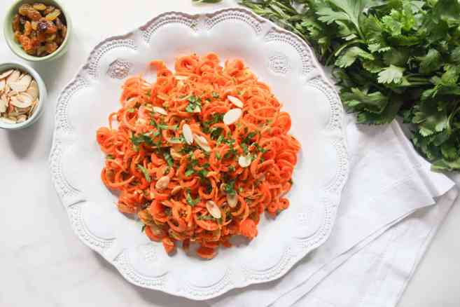 Spiralized-Carrot-Salad-with-Herbs-and-Toasted-Almonds-2