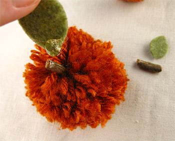 Pom Pom folhas de abóbora