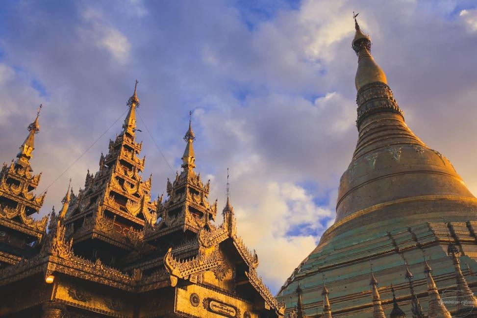 Schwedagon Pagoda Yangon, Myanmar
