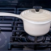 How Pots and Pans Affect Food and Health