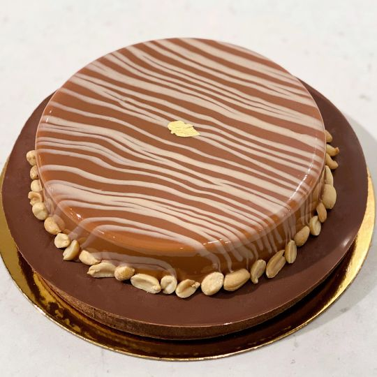 DAB Large Chocolate Peanut Butter Drop Cake