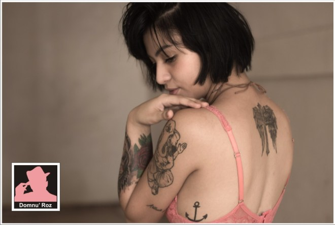 33475_woman-with-anchor-tattoo-in-pink-bra