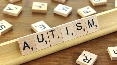 Językowy problem: autysta czy autyk