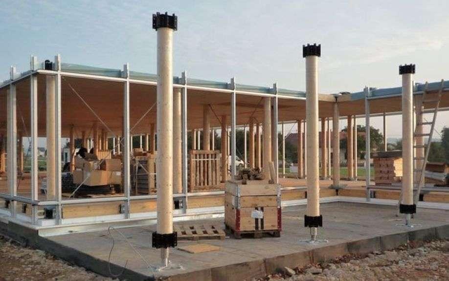 Structura lemn Lukas Lang