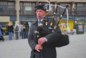 Man at risk for bagpipe lung disease