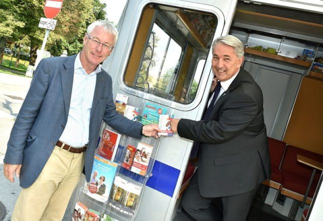 Donaustadt: Neuer Bezirksvorsteher besucht Bürgerdienst