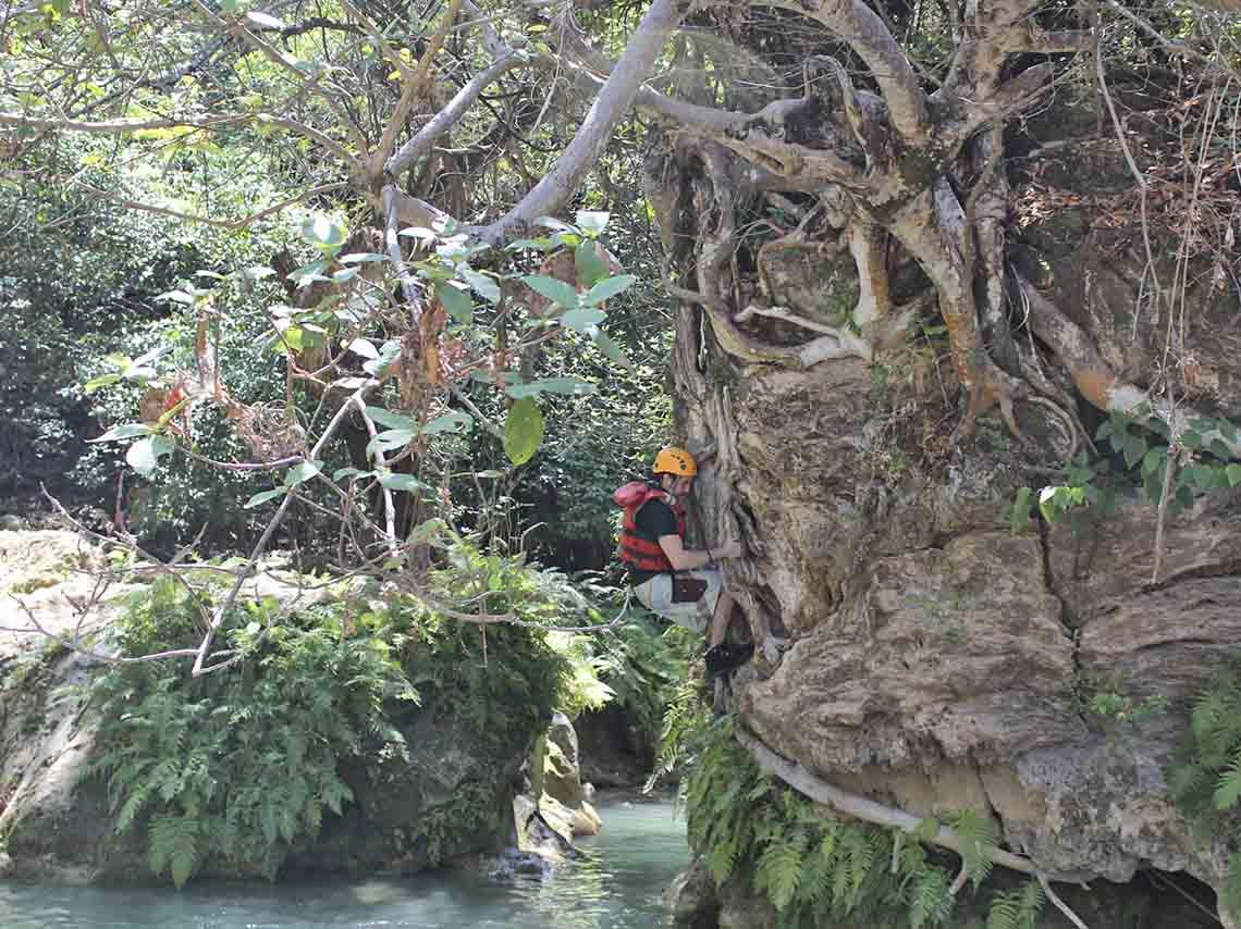 experimenta-aventura-en-mil-cascadas-en-taxco-12