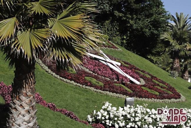 Reloj de flores en Viña