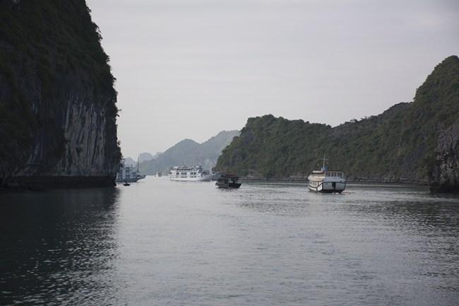 Navegación por Halong Bay