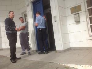 Brian 'Mouse' Ward pictured in handcuffs outside a previous sitting of Letterkenny Circuit Court.