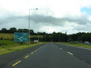 The road approaching the Manor roundabout.