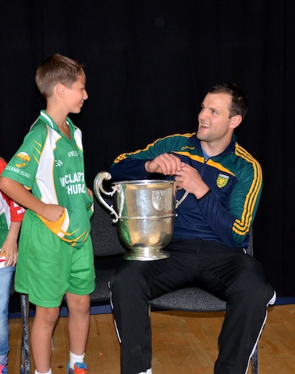 Glenswilly U10 star Christopher swaps tips with Michael.