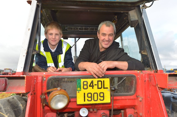 Dale Tinney and Martin Tinney at teh Ferguson World record attempt.  Pic-Clive Wasson
