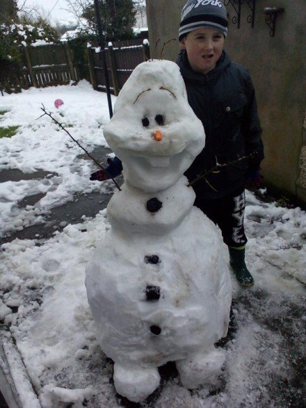 Teresa McGinley sent us in this snap of Rory with his snowman in Lifford.
