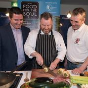 Gary shows Marty and Bernard how the real chefs do it!