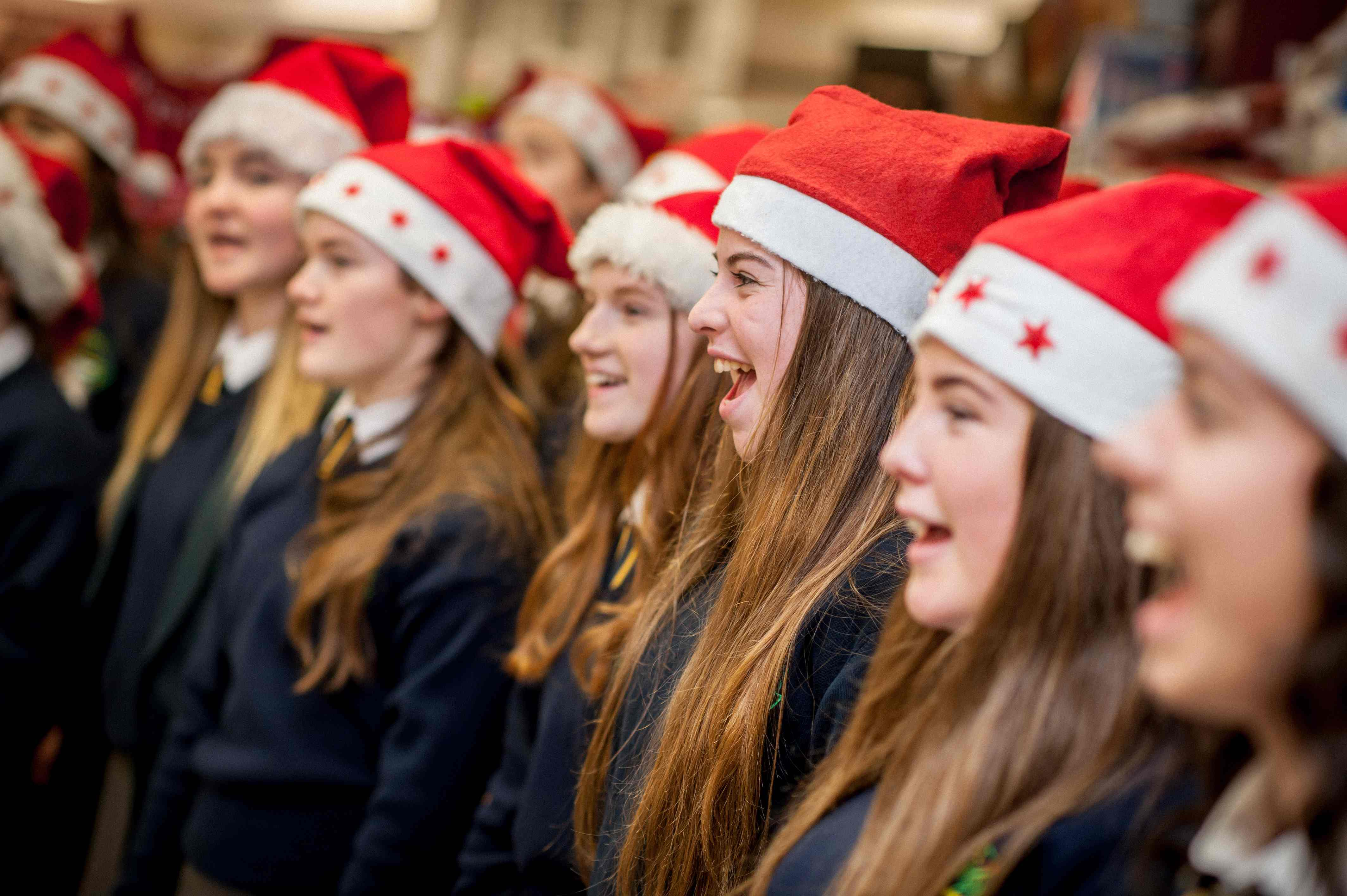 The Christmas Note.Crana College Choir Hit The Right Christmas Note Donegal