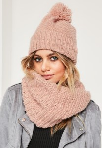 MissGuided pink knitted snood & hat set €22,50