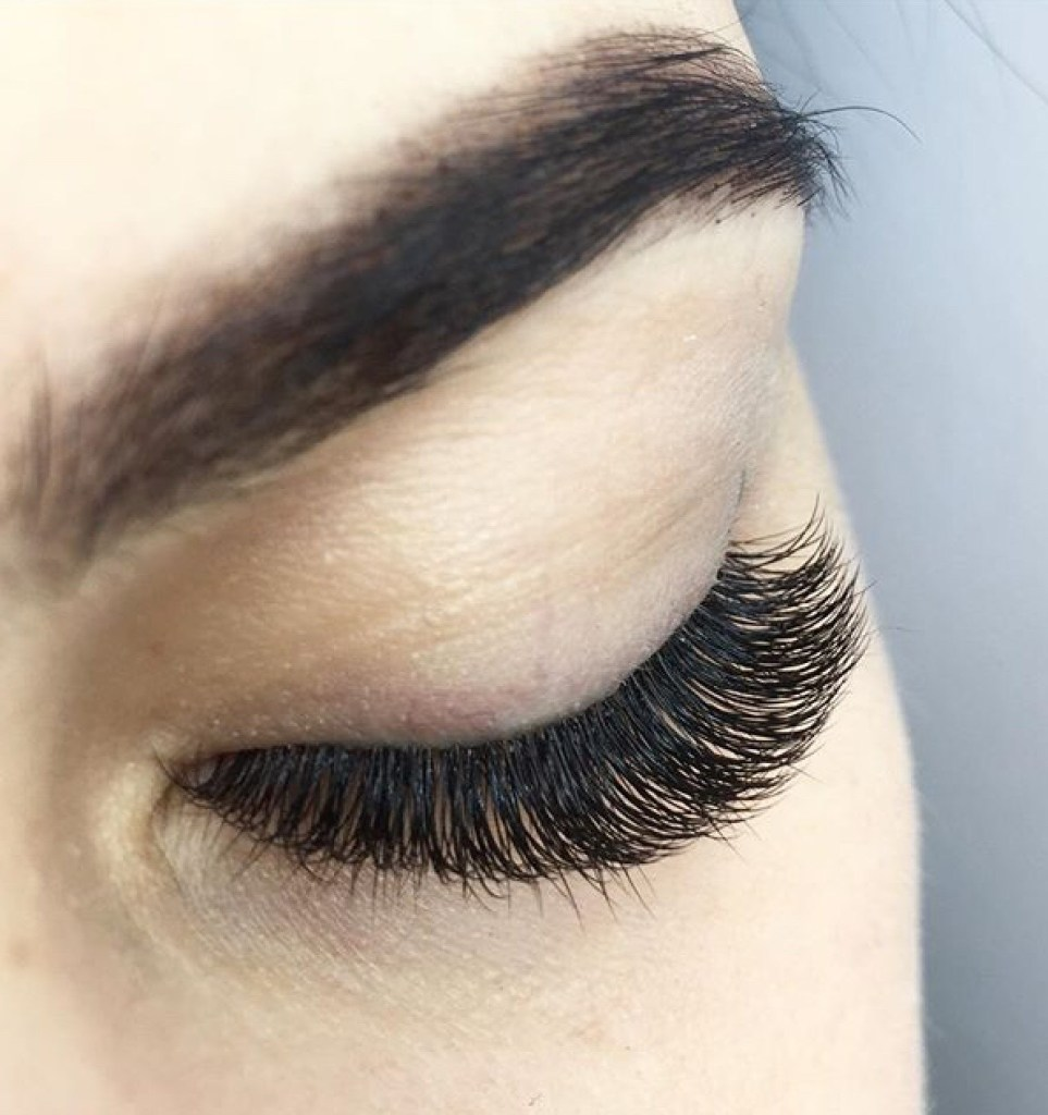 92ec0a8fdc5 Yes, we have a variety of eyelash extensions lengths (4mm to 14mm),  thicknesses (0.03mm, 0.04mm, 0.05mm, 0.06mm, 0.07mm, 0.1mm, 0.12mm, 0.15mm)  and curls (B ...