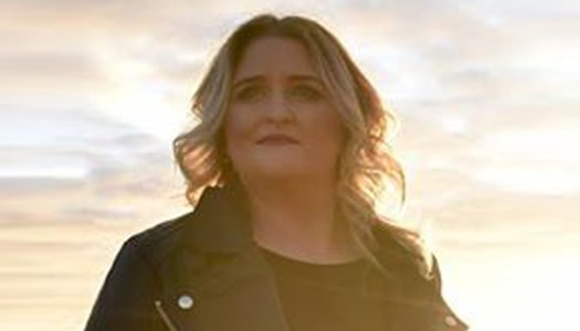 Elaine's powerful single raises support for Relay for Life