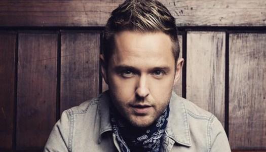 'Heartbroken' Derek Ryan cancels Donegal show after mother passes away