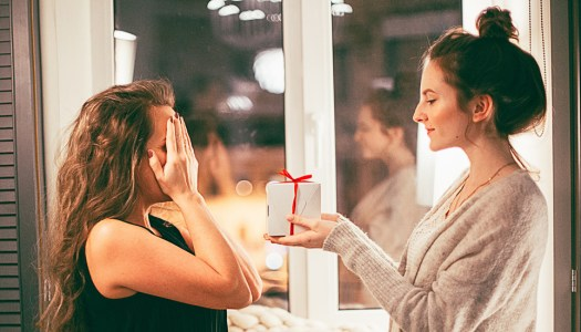 Women's Inspire: Giving the gift of love at Christmastime