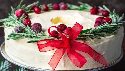 Recipe: This Prosecco wreath cake is perfect for party season