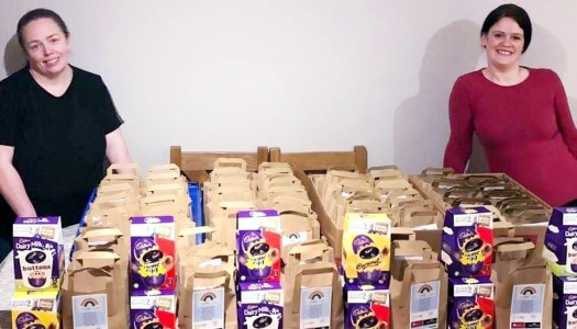 Donegal duo delivers Easter gifts to Letterkenny Hospital