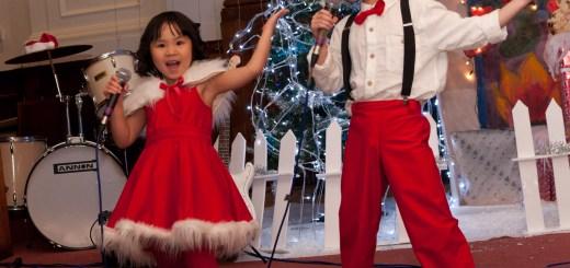 Duy và An biểu diễn ở Christmas Show của hội VNSoton